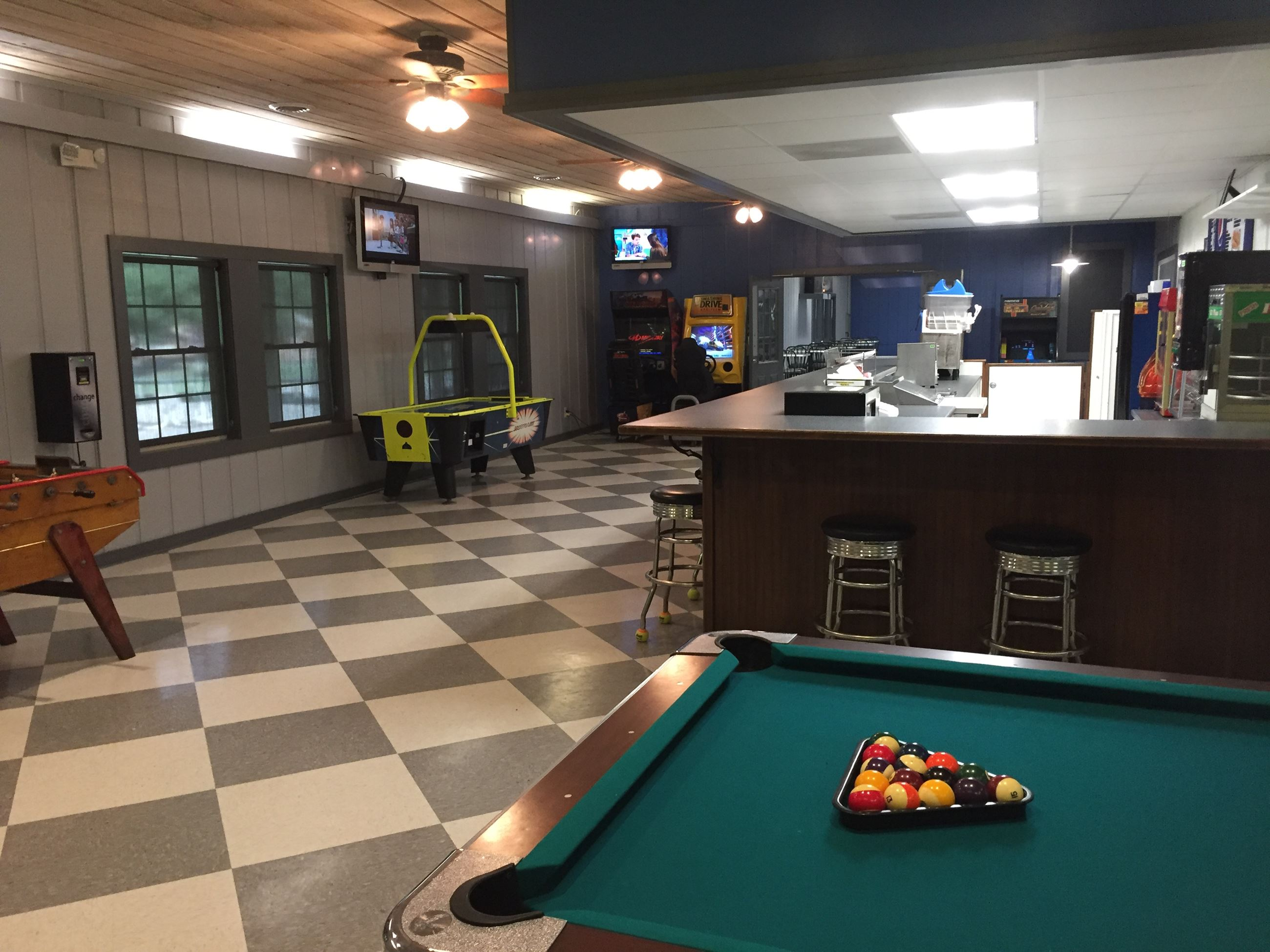 Concession stand w/ pool table